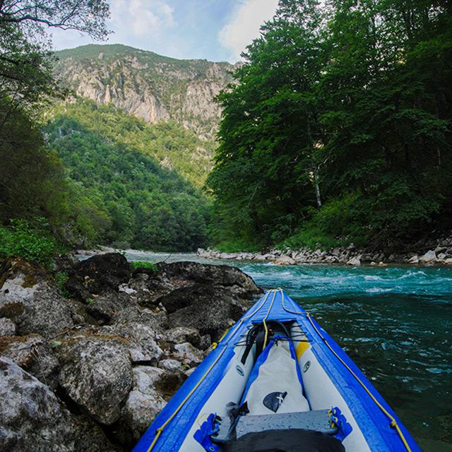 Kutlíci - modrá kanoe
